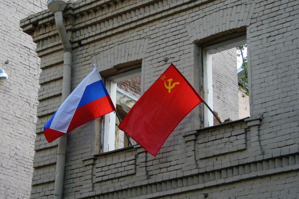Первая российская анимация, цыгане, пожарная лестница и красный флаг вместо триколора. День в истории