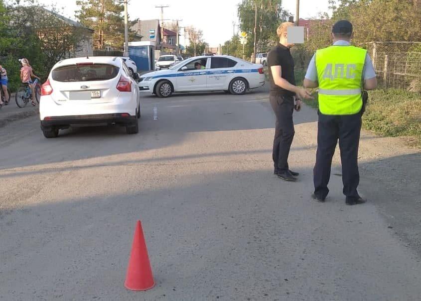 В Орске на улице 1 Мая иномарка сбила школьницу