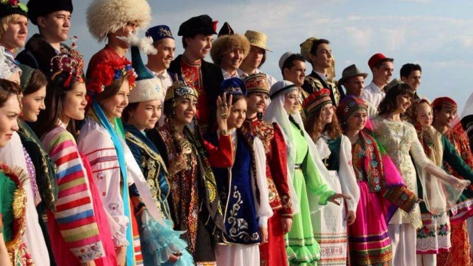 Культурное разнообразие, остров Святой Елены, ФИФА, Северный полюс-1 и «Криминальное чтиво». День в истории