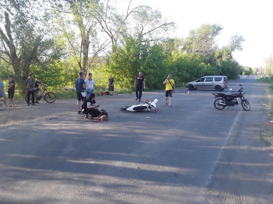 В Орске не разъехались подростки на мопеде и мотоцикле