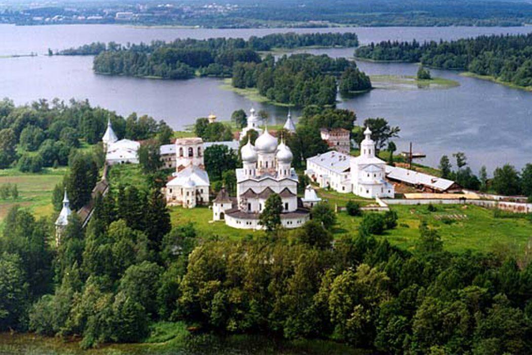 Первая цветная фотография, «Большой Кремлевский клад» и национальный парк «Валдайский». День в истории