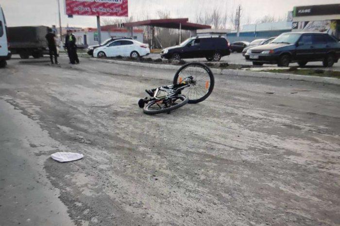 В Орске 10-летняя девочка оказалась под колесами автомобиля