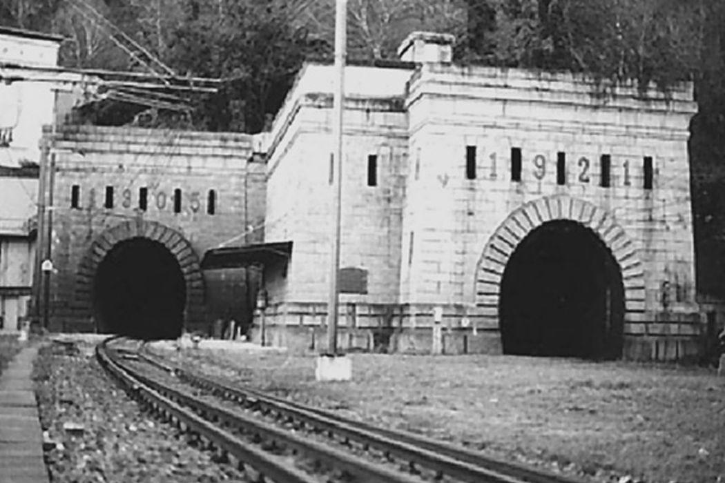 Симплонский туннель, Российская книжная палата, «Апокалипсис сегодня» и извержение Этны. День в истории