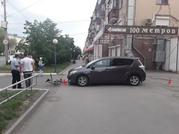 В Орске на тротуаре водитель иномарки сбил 9-летнего школьника