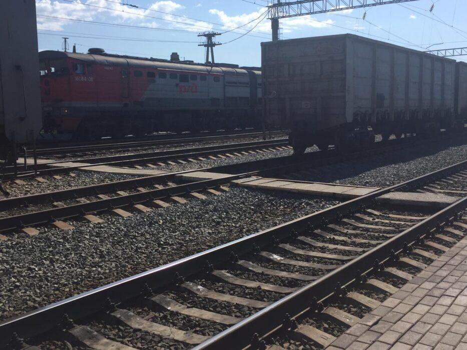 В Орске 14-летняя девочка получит компенсацию за удар током на железной дороге