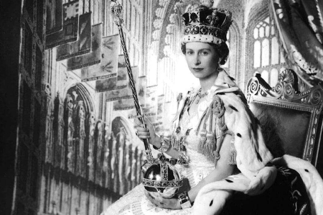 Коронована Елизавета II, день рождение Байконура, Новочеркасский расстрел и музей ван Гога. День в истории