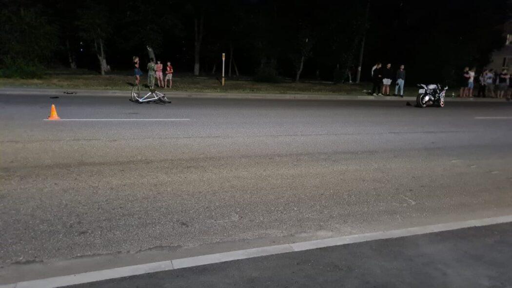 В Оренбурге мотоциклист сбил несовершеннолетнюю велосипедистку