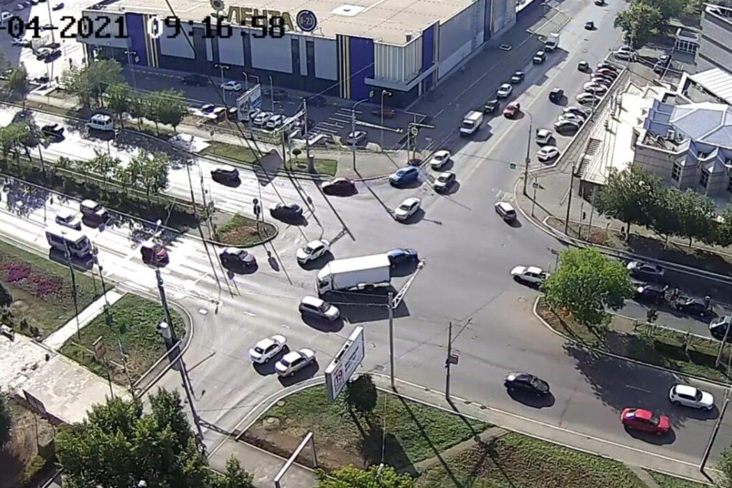 В Оренбурге отключили светофоры из-за реконструкции
