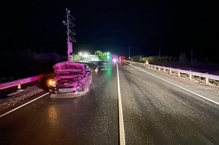 В тройной аварии под Оренбургом пострадала женщина-водитель