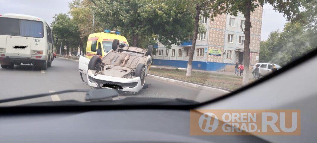 В Оренбурге на улице Волгоградской произошло ДТП