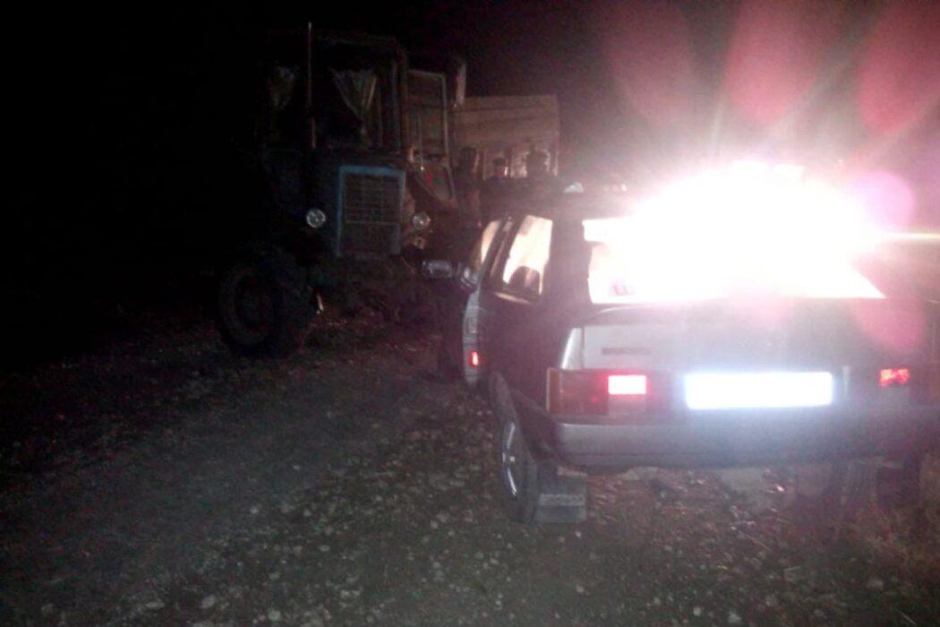 """В Красногвардейском районе водитель автомобиля """"ВАЗ-2108"""" врезался в трактор"""