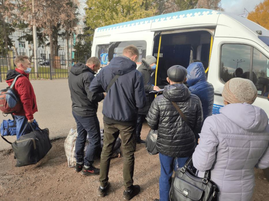 """Непривитые пассажиры не смогли уехать из Уфы в Оренбург на """"Орлане"""""""